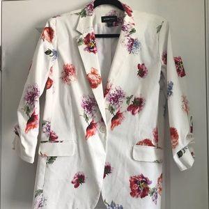 Floral 3/4 sleeve jacket